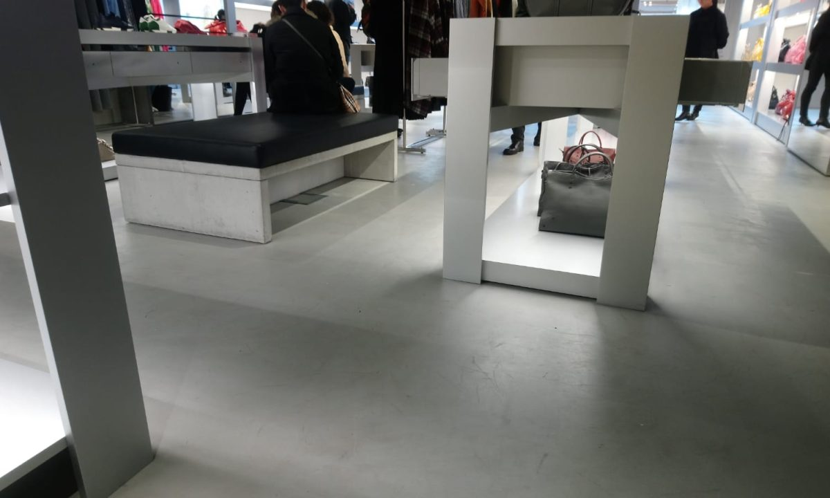 Showroom Beton Cire Paris professionnel applicateur béton ciré microtopping boutique